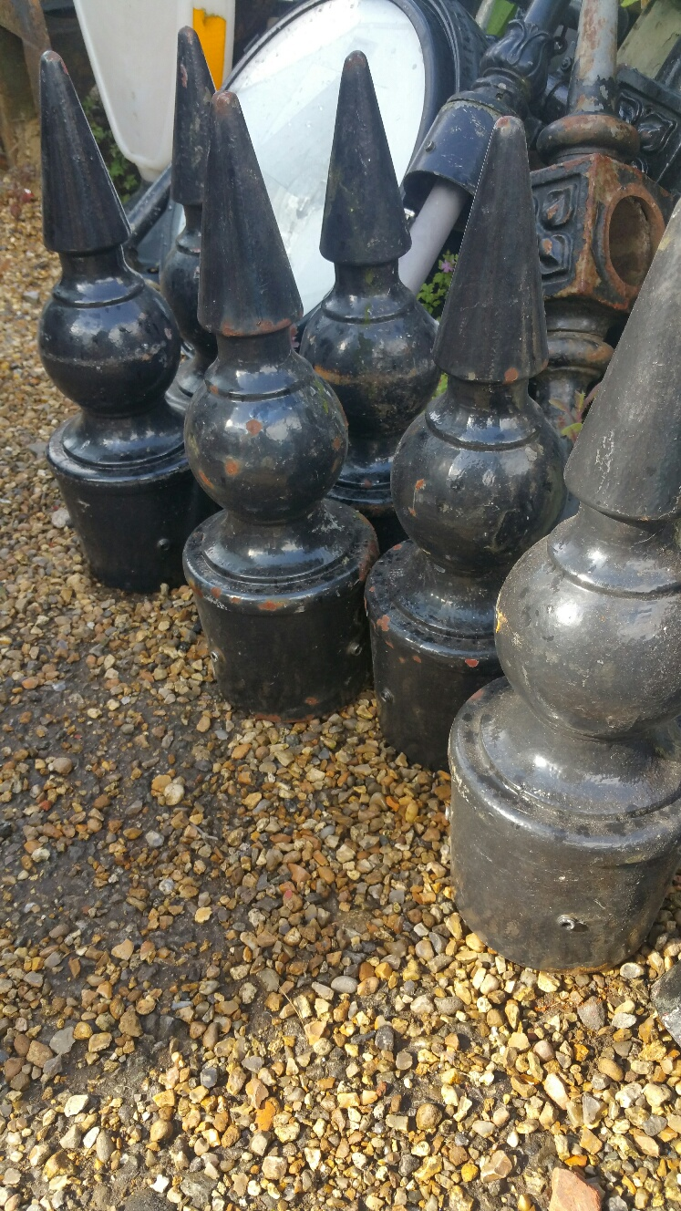 Finials – Pointed Top Cast Iron