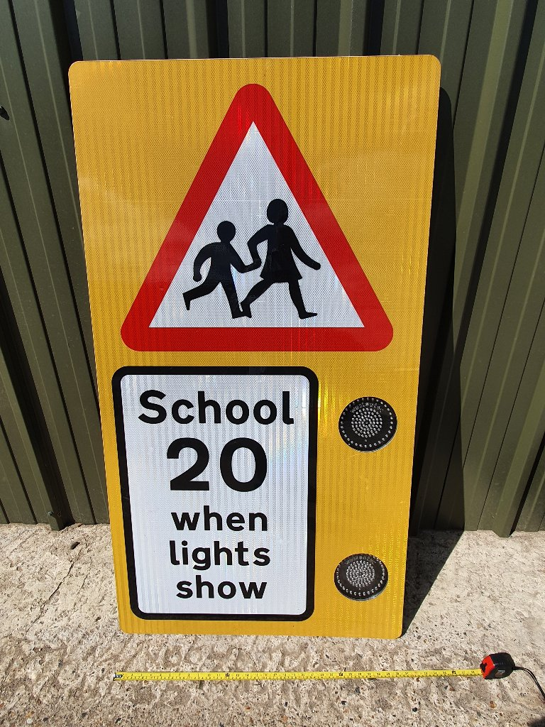 School 20 MPH Flashing Led Light Warning Sign