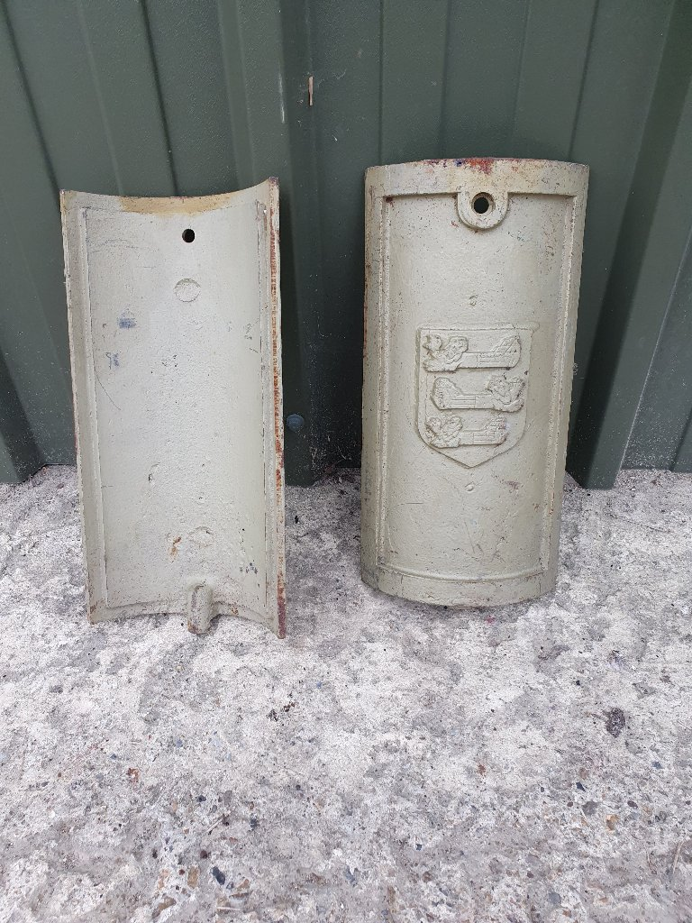 For Cast Iron Posts – Dover City Coat Of Arms Cast Iron Doors