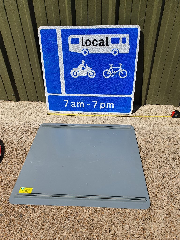 Large Bus / Motorbike / Cycle Sign