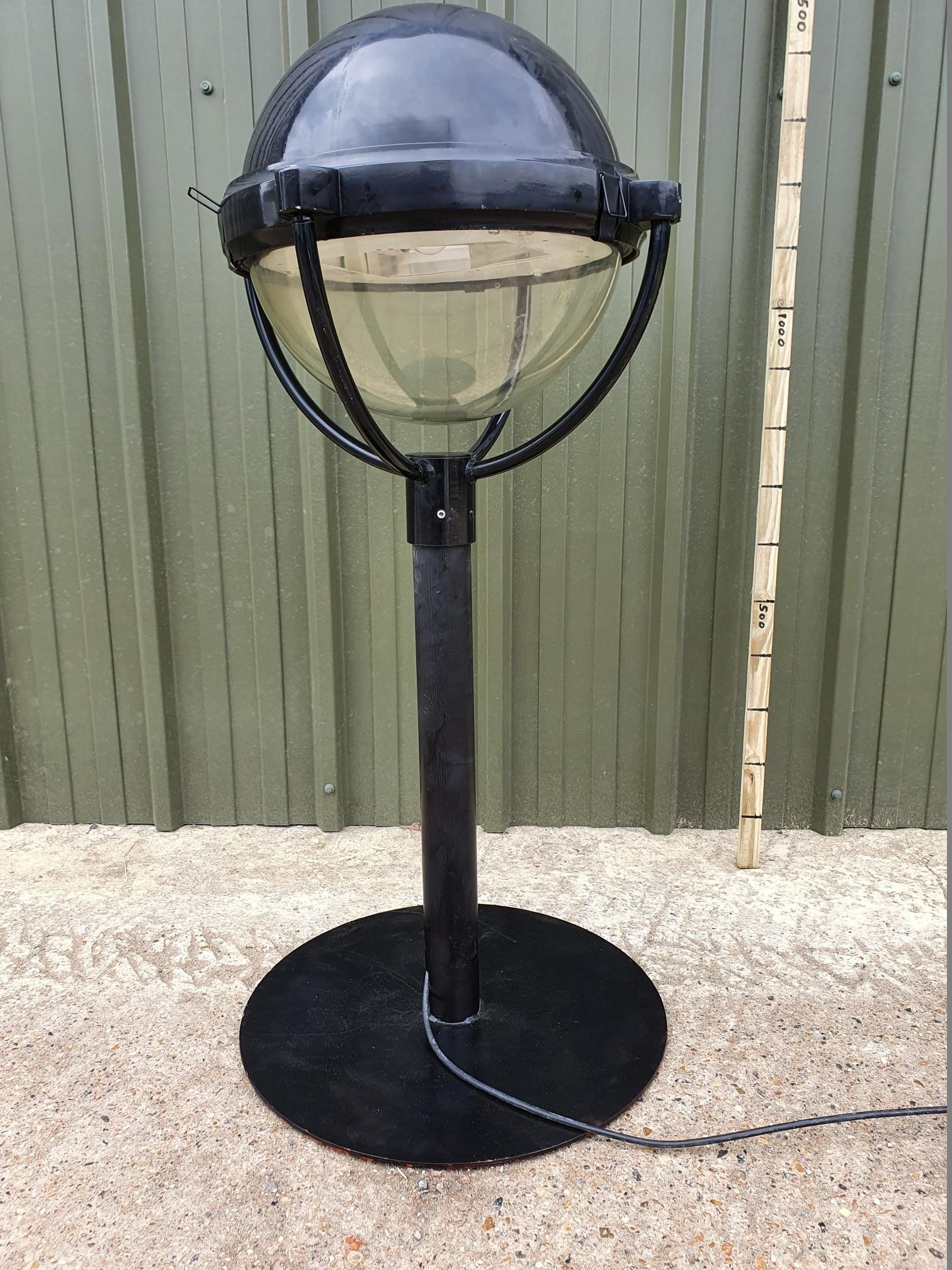 DW Windsor Cradle Light On Stand (Made To Order)