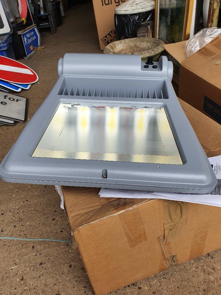 DW Windsor Kasakara 3 LED Floodlights