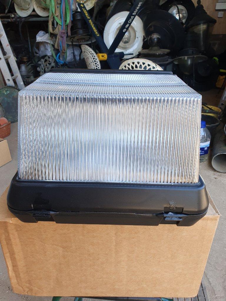 Holophane Wall Packekkete Light Plastic
