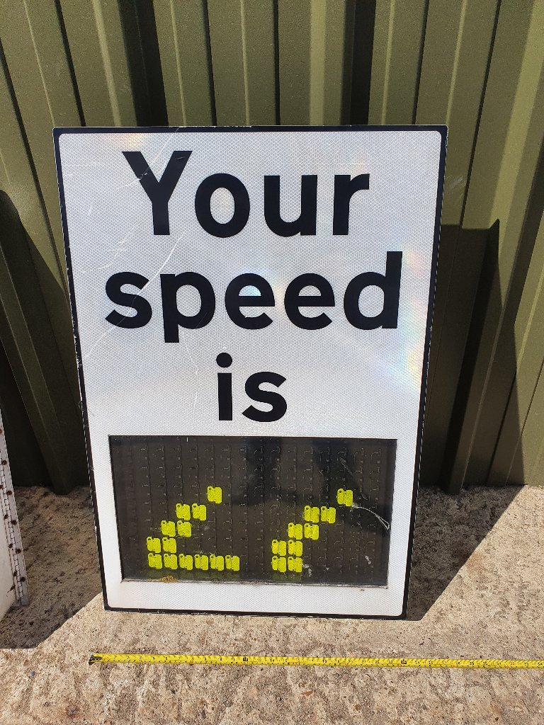 Vintage Speed Analog Speed Information Signs