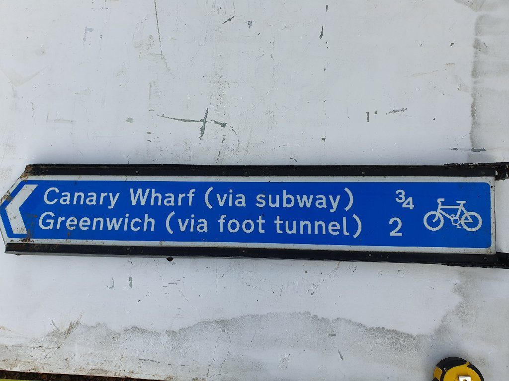 Canary Wharf  / Greenwich Cycle Route Sign