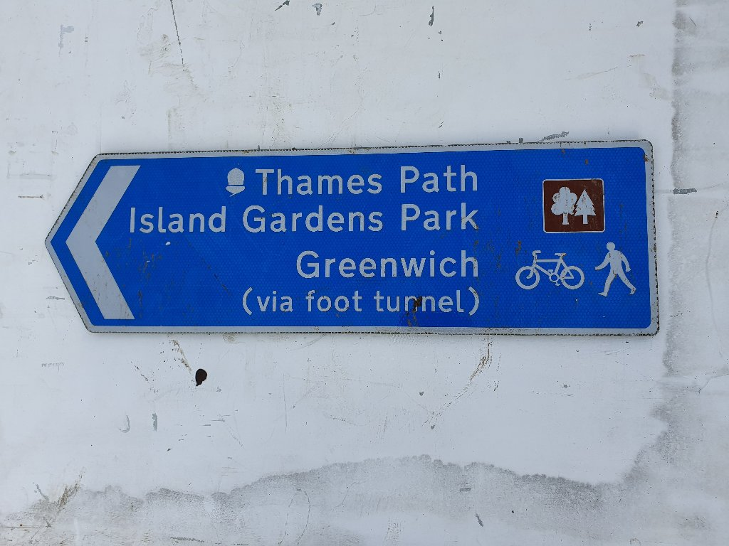 Thames Path / Greenwich Cycle Sign
