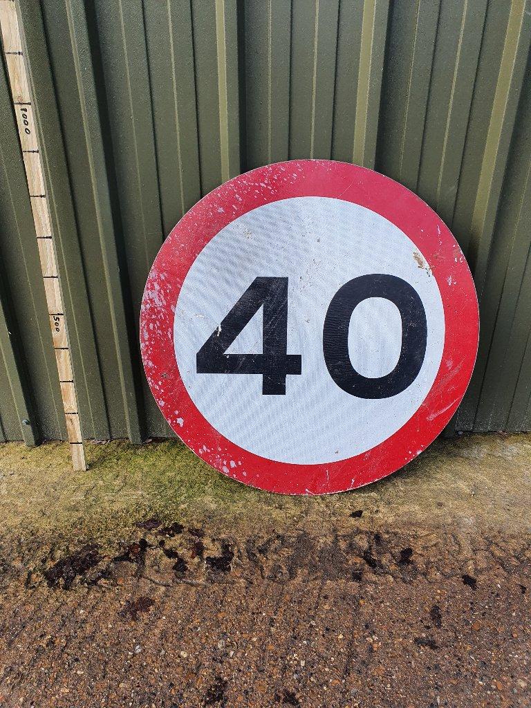 Sign – 40 MPH – 900mm Diameter