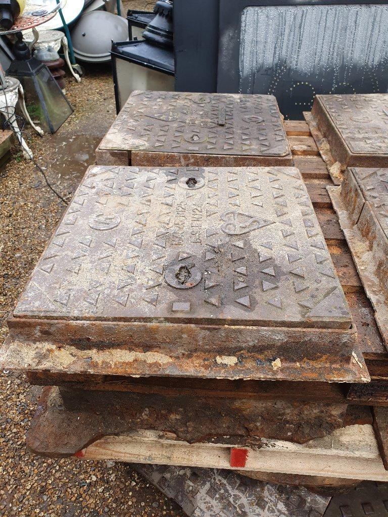Manhole Cover & Frame – Cast Iron