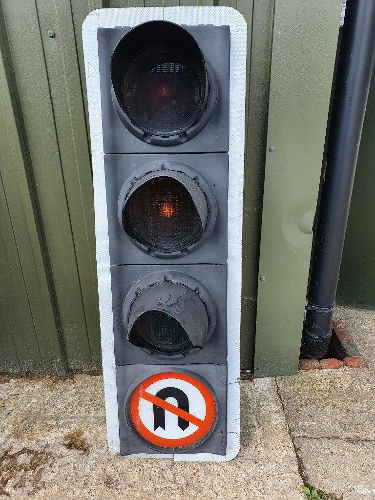 Traffic Lights With No U Turn Sign