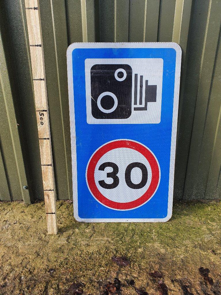 Sign – Camera 30 Mph