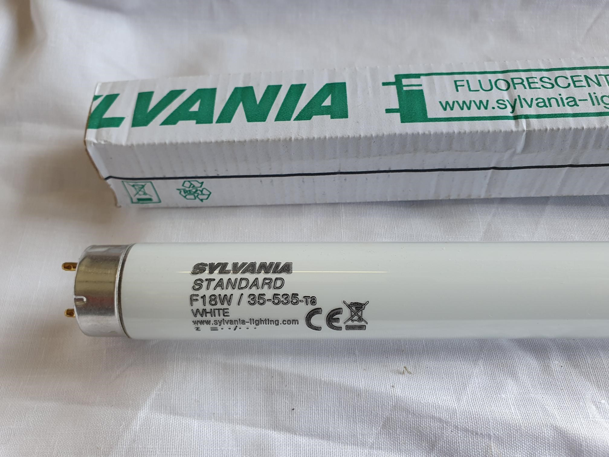 Sylvania Flourescent Tube Standard F18 W 35 535 T8 White 590 Mm Long