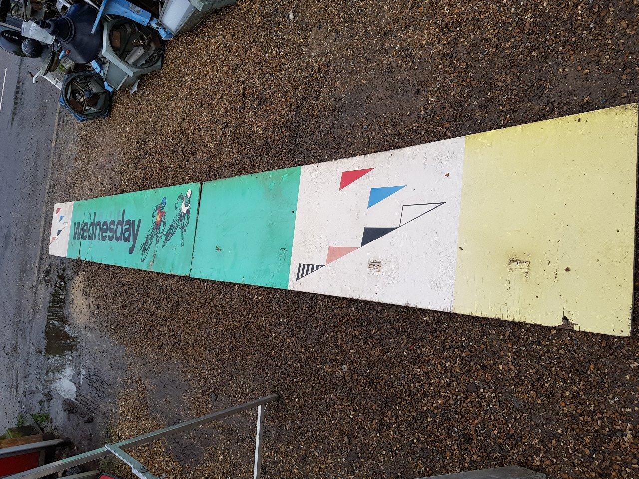 Wimbledon Stadium, Speedway Sign